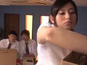 玉名みら(Dカップ)淫乱女教師がマンチラで生徒を誘惑!乳ホクロが卑猥なドスケベ先生