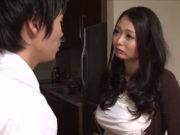 黒沢那智(Jカップ)巨乳過ぎる母と近親相姦!ママのおっぱいをモミモミ揉んで舐めまくる