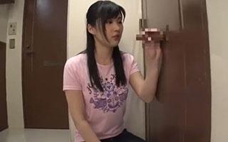 相川潤(Fカップ)巨乳娘が立ちバックでパンパン激ピストンに悶絶_1