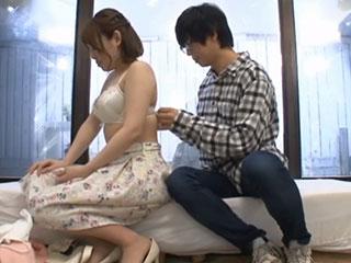 花岡かんな(Eカップ)友カノに乳揉み連続中出しをキメる…中出し筆下ろしをモニタリング