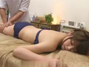 鳥井美希(Fカップ)美巨乳セレブ妻がオイルマッサージでエビ反り痙攣