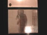 【巨乳美女盗撮】友人宅の向かいに住んでいるデカパイお姉さんを覗き見