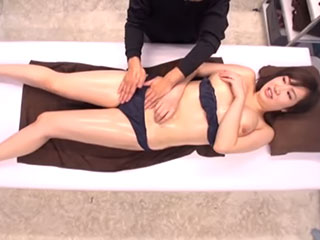 若槻みづな(Hカップ)マジックミラー号 スワッピングで巨乳妻が寝取られる