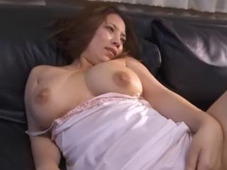 豊熟したエロボディの巨乳妻が陵辱される 織田真子