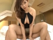 オゲレツボディコンスタイルの爆乳美女が完全着衣SEX 三島奈津子