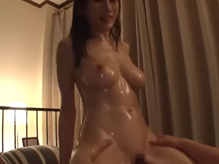 Jカップ美女とNTRセックス→連続中出し JULIA