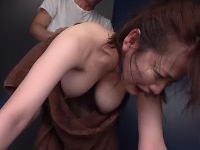 〈美乳がポロリ〉生乳Jカップを見せられ理性崩壊!神乳美女のラッキーおっぱいハプニング 筧ジュン 2