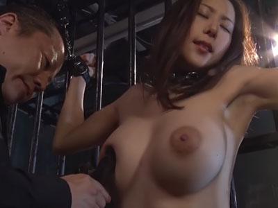 バイブを敏感乳首に… 松下紗栄子