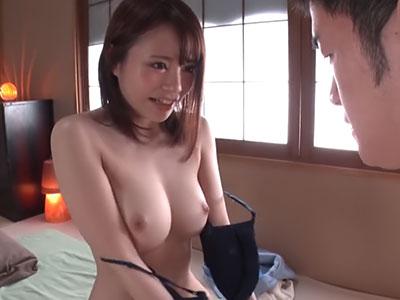 豊満ボディ&Fカップ美巨乳の伊藤舞雪